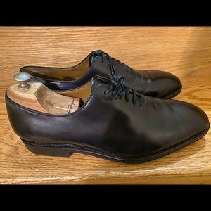 Ferragamo Black leather shoes